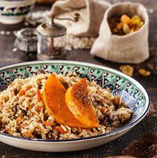 Η τέχνη του ρυζιού στην Ανατολή είναι ότι πιο κορυφαίο υπάρχει στην μαγειρική!! Φρούτα, λαχανικά και ξηροί καρποί ενώνονται με τους λιγερόκορμους κόκκους ρυζιού!! Αυτό είναι το αγαπημένο μου!!!!