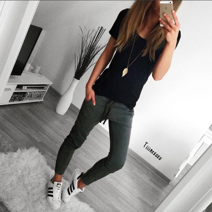 Ich liebe die Passform dieser Jogger. Ich mag eine dunkle Kohlenfarbe. , #diese … – Frauen Outfit Ideen