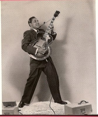 Mickey Baker, c.1954, Gibson ES-300 (with Epiphone tailpiece!) and Premier amplifier.