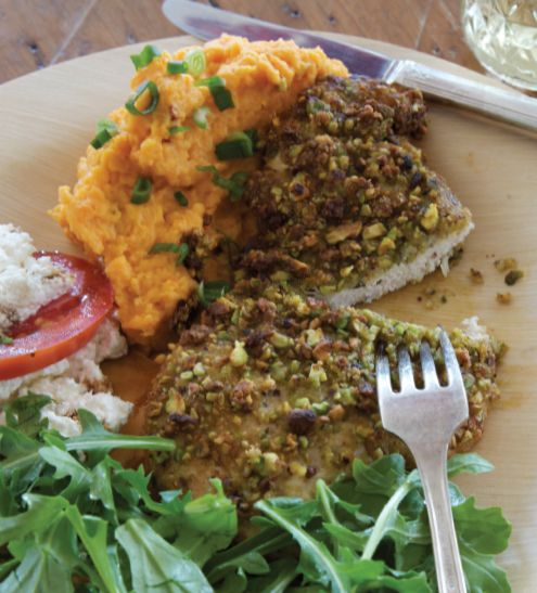 pistachio-crusted chicken with fresh herbs from Orianne Consentino: Recipes Chicken, Prepare Chicken, Pistachios, Chicken Deliciousness, Fresh Herbs, Chicken 1000, Herbs Recipe, Herb Recipes