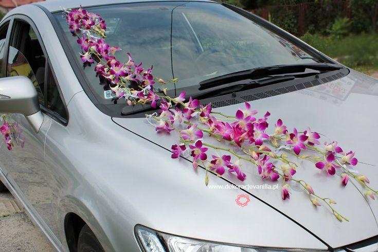 Dekoracja auta ze storczykiem dendrobium