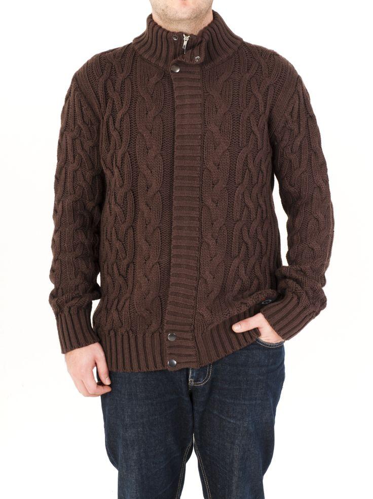 Chaqueta de punto aranés para hombre con cremallera y remaches. Ideal para invierno 2014 y fácil de combinar. La tienes en marrón, marengo, beige y tejano.