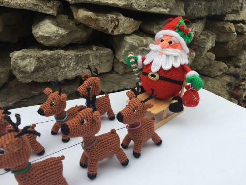 Санта Клаус на оленьей упряжкеНе смогла остановиться и решила , что Санта должен обязательно сидеть на санках, запряженных девятью оленями . Санки настоящие из деревянных палочек от мороженого. Санта Клаус отправляется в путешествие к Рождеству. Надо...