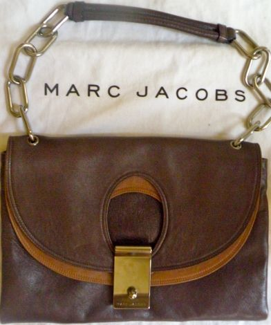 Je viens de mettre en vente cet article  : Sac à main en cuir Marc Jacobs 180,00 € http://www.videdressing.com/sacs-a-main-en-cuir/marc-jacobs/p-723572.html?utm_source=pinterest&utm_medium=pinterest_share&utm_campaign=FR_Femme_Sacs_Sacs+en+cuir_723572_pinterest_share