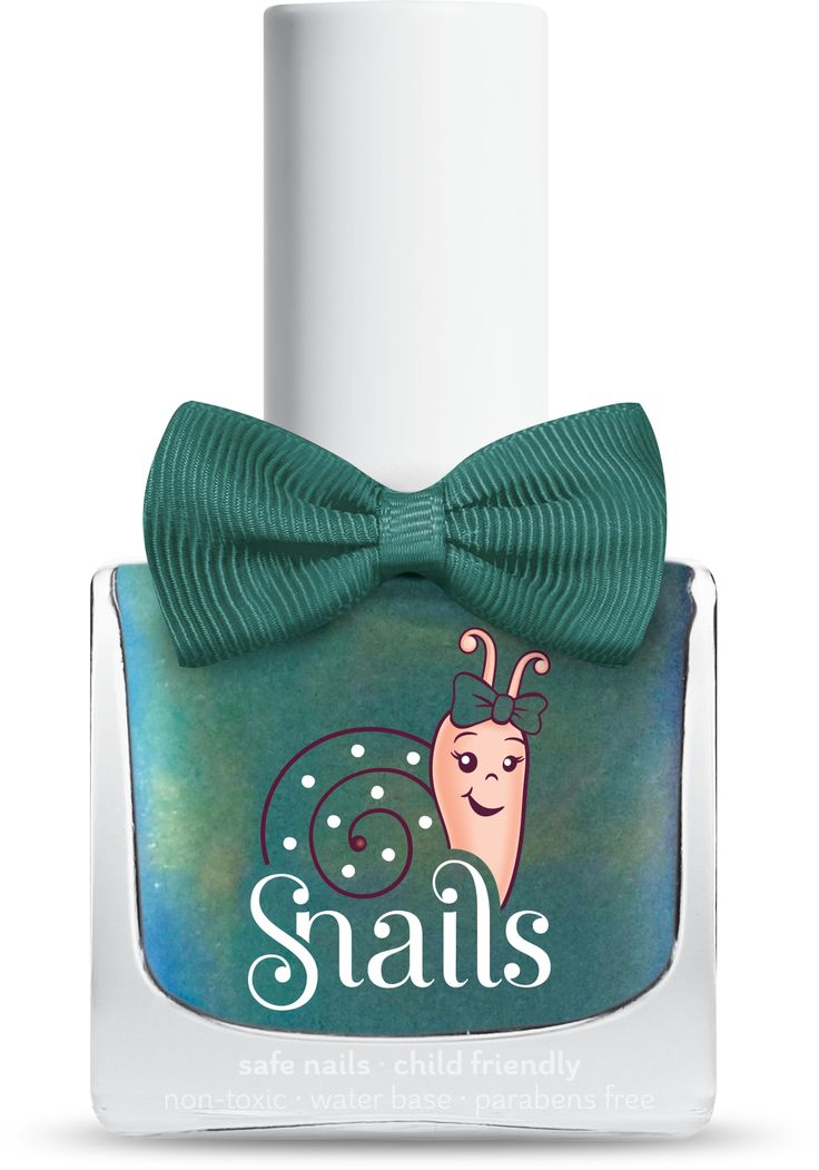Aurora: Experience the magic of the Northern Lights on your nails and amaze the people around you