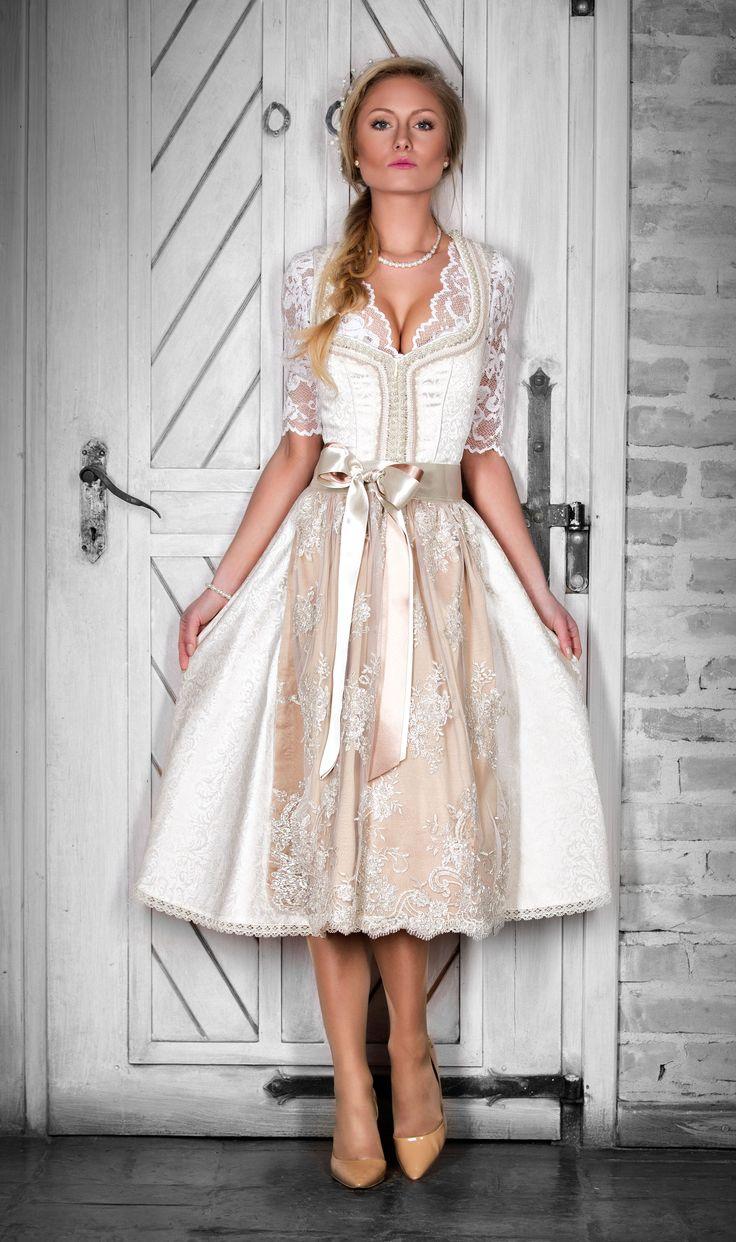 Traum in weiß, mit Seide und Spitze! Unsere Hochzeit Dirndl verzaubern Ihren Tag. Somit wird jeder Anlass einem unvergesslichen Ereignis!  #dirndl #hochzeit #braut #brautmode #brautkleid #hochzeitskleid https://www.alpenherz.de/shop/hochzeit/damen/