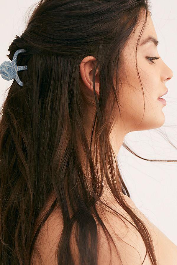 Octopus Hair Claw In 2020 Hair Styles Medium Hair Styles Easy Hairstyles