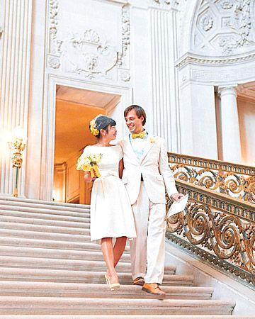 Eine Gelb-und-Türkis-moderne Restaurant-Hochzeit in San Francisco, Kalifornien