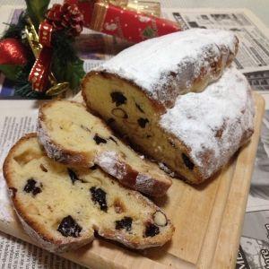 楽天が運営する楽天レシピ。ユーザーさんが投稿した「クリスマスのパン♪シュトーレン♪」のレシピページです。Have a Merry Christmas☆。シュトーレン。強力粉,ドライイースト,砂糖,塩,卵,牛乳,バター,ドライフルーツと,ドライナッツのラム酒漬け,はちみつ
