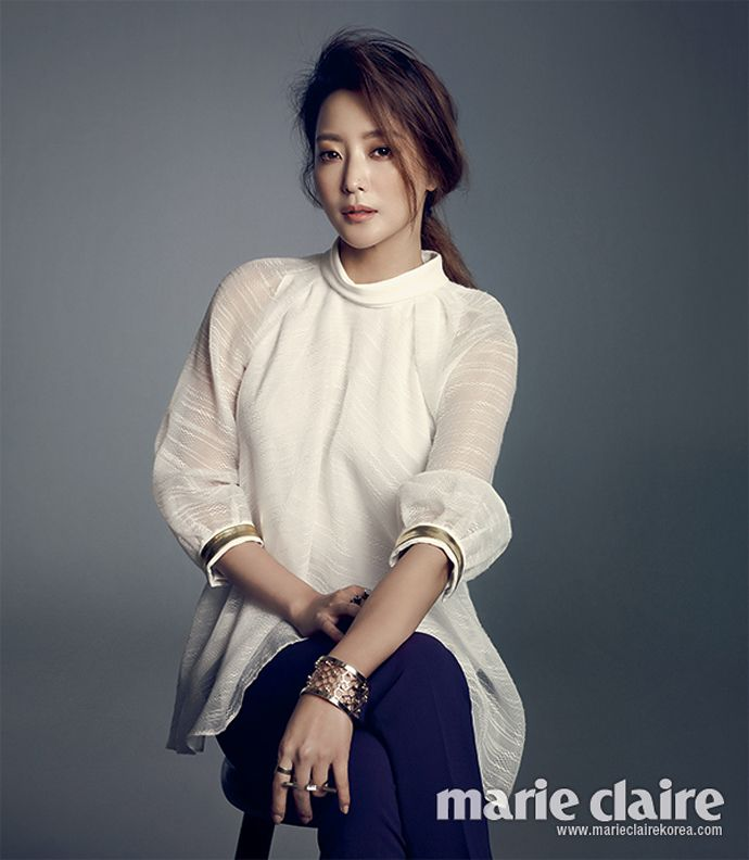 Kim Hee Sun Is A Classy Professional For Marie Claire Korea's February 2014 Issue | Couch Kimchi