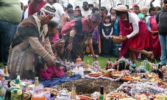 En la cultura andina, el mes de agosto está destinado a rendir tributo a la Madre Tierra. Para experimentar el contacto con esta tradición milenaria te proponemos visitar la provincia de Salta, un destino con cientos de opciones.