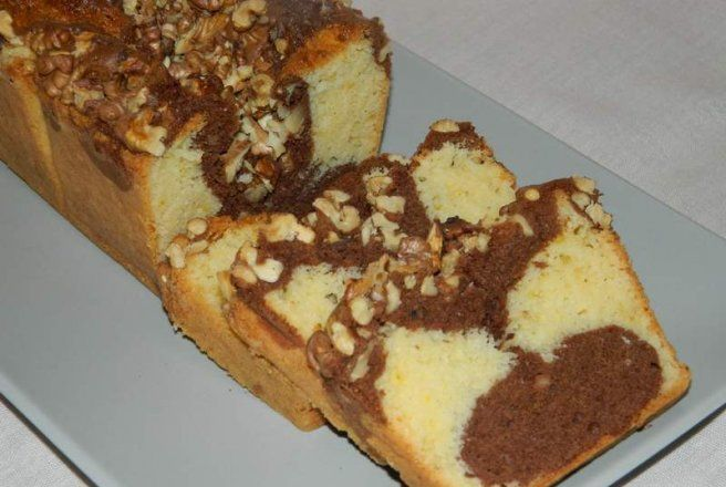 Retete Culinare - Chec pufos cu nuci