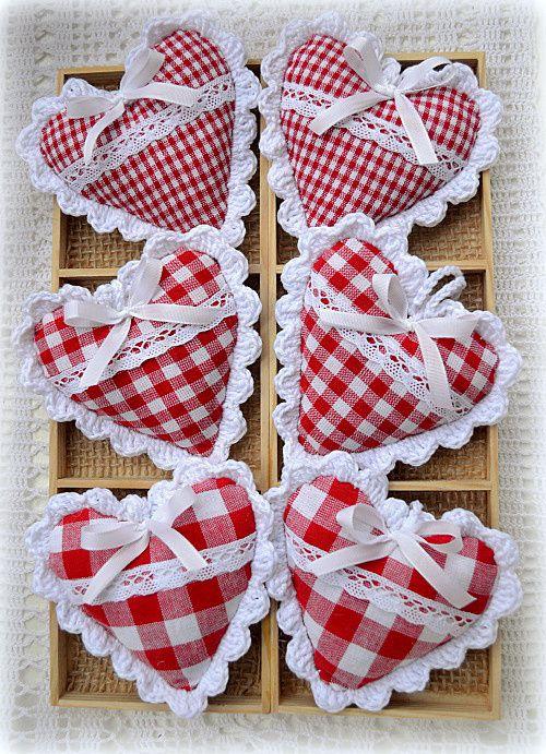 Srdce v kostce - sada Sada šesti kusů dekoračních srdíček, 9x9cm, šité z…