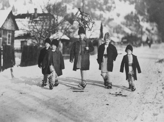 Moldavia Romania children 1935 | Old Romania – Adolph Chevallier photography