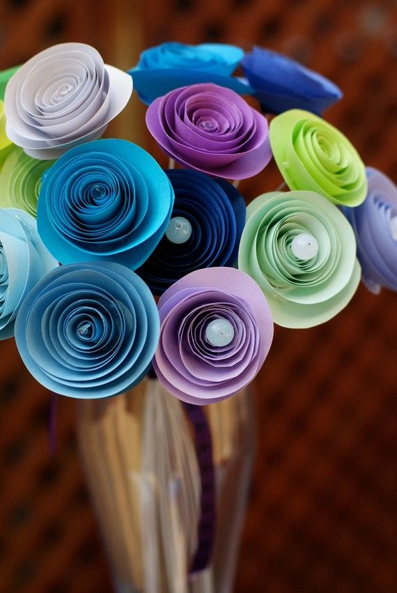 paper flowers... pretty!