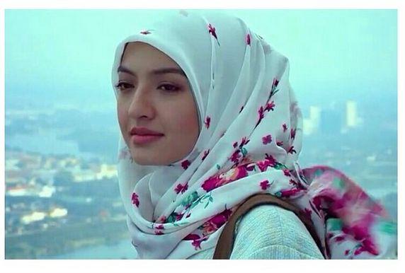 beauty in hijab