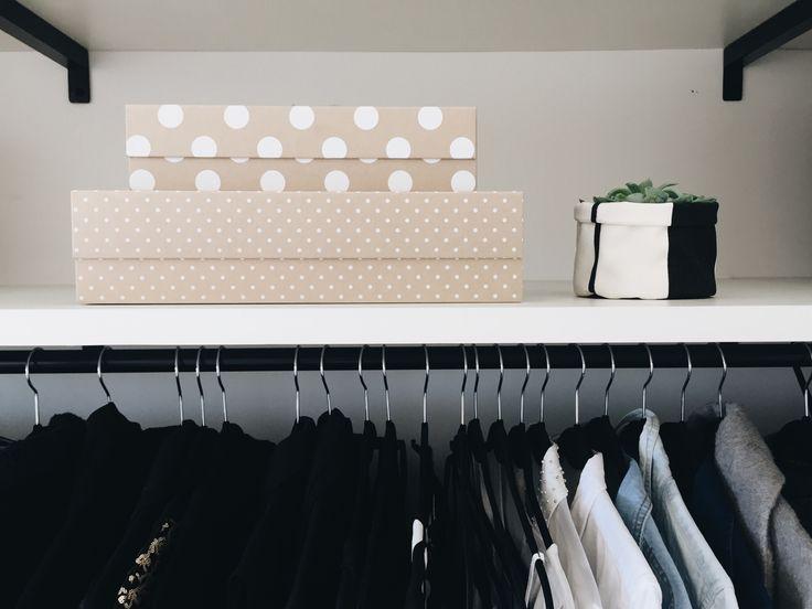 Organize seu closet nas caixas capa dura com divisórias internas removíveis e fechamento em imã da linha Gold & Kraft.