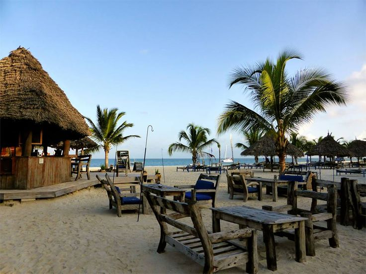 Zanzibar - Kendwa Rocks - the best place for backpackers to frequent on the island