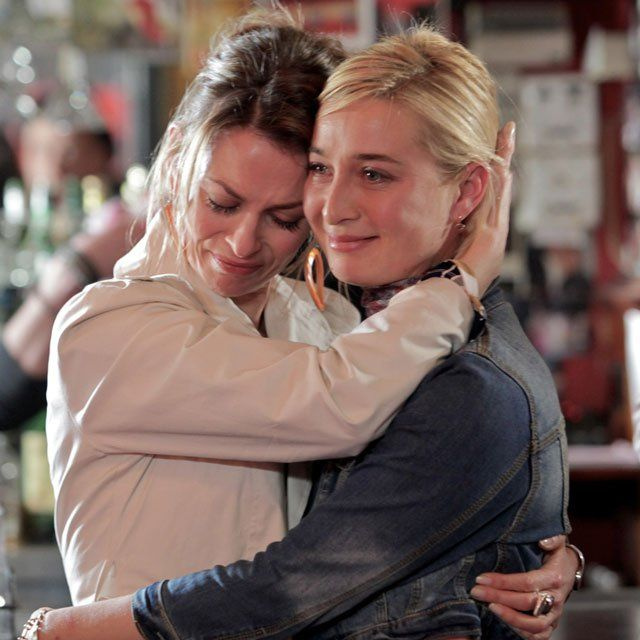 Offspring season 1 - Nina, Billie #Offspring #NinaProudman Asher Keddie #AsherKeddie Kat Stewart