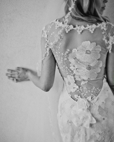 Lovely Lace backless wedding dress with details - casualweddingdres...
