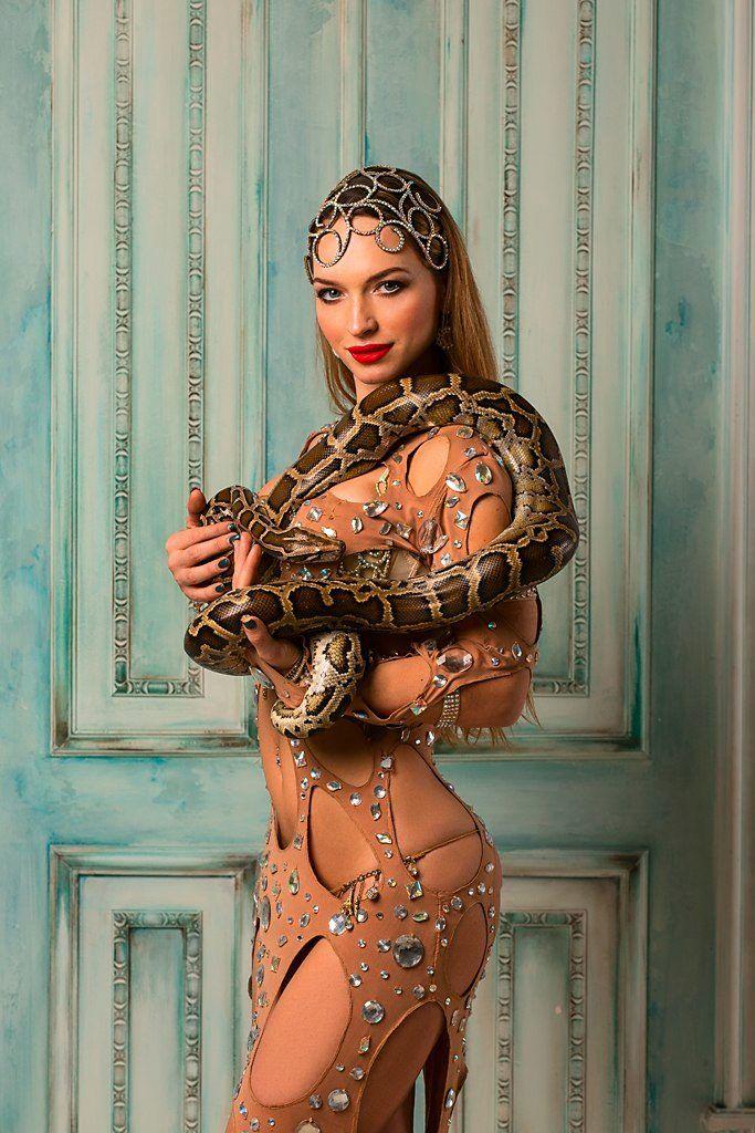Восточные костюмы для танца живота (98 фото): красивые танцевальные костюмы, с бахромой, для современных танцев