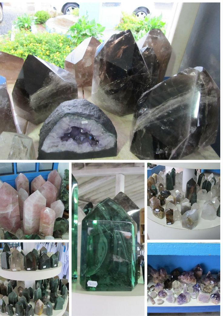 Tons of crystals all sizes, colors and shapes are available everywhere in Abadiania  #JohnofGod #CasadeDomInacio #energyhealing #faithhealing #entities #Abadiania  #crystals #crystalhealing