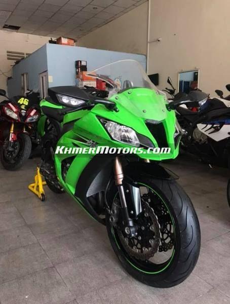 Kawasaki Zx10r year 2011
