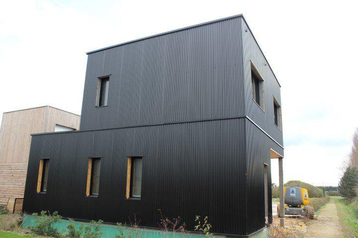 amnagez les faades de votre maison container laide de bardage en bois
