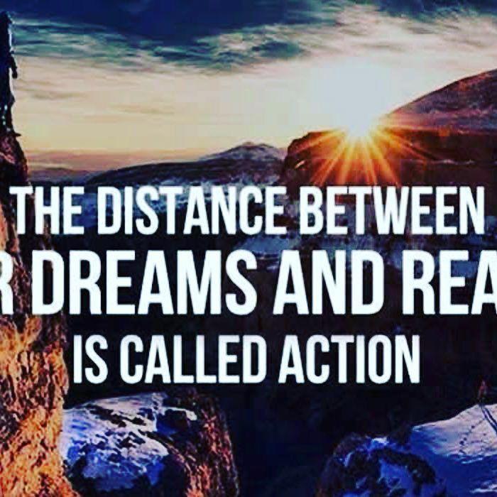 Happy humpday motivation! #dreamstoreality #miaminmotionrealty #isellfortlauderdale #isellmiami #helpingonefamilyatatime #blessed
