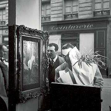 """Robert Doisneau, """"el cazador de imágenes"""", es un famoso fotógrafo francés, conocido sobre todo por su fotografía más popular e imitada: """"El beso del Ayuntamiento"""" (1950), sin duda, uno …"""