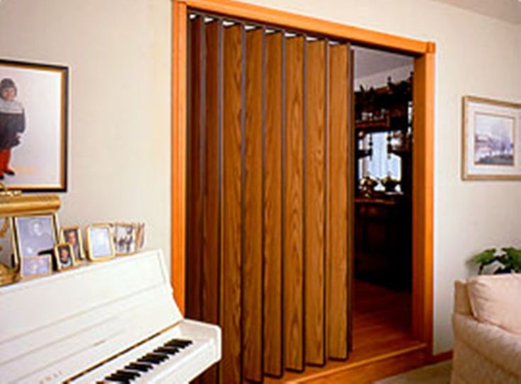 08e6eb3634532526051a4e38756c7780--accordion-doors-room-parions Foldaway Screen Door For Mobile Home on