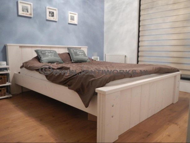 Heerlijk-slapen-in-een-mooie-steigerhout-2-persoons-bed-JontiWorks ...