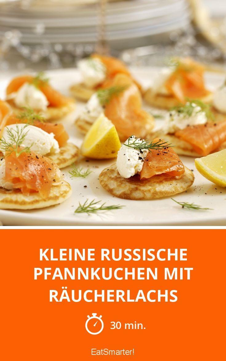 Kleine russische Pfannkuchen mit Räucherlachs - smarter - Zeit: 30 Min. | eatsmarter.de