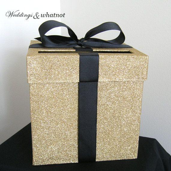 Boîte à cartes or mariage avec Bow w 9 x 9 par WeddingsAndWhatnot