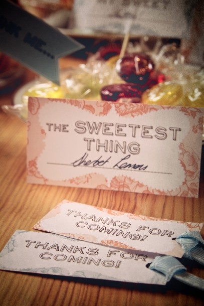 These cute sweet table signs look great with vintage-look glass jars