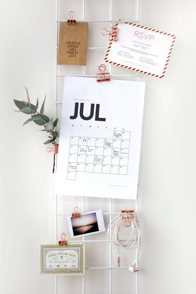 Clean & minimal 2017 printable calendar • Foreign Rooftops