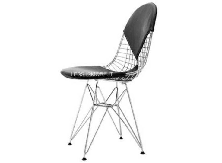 Sedia Wire, seduta e schienale in pelle, Eames, 1951. Per questo prodotto, l'apporto artistico di Ray Eames incontra la sensibilità più ingegneristica di Charles Eames, realizzando un design dai valori armonici ed equilibrati, comuni a entrambi. La forma organica offre comfort anche senza bisogno di un rivestimento, nonostante la sedia si presti ad accogliere imbottiture per la seduto o per lo schienale, che creano un originale effetto ottico.