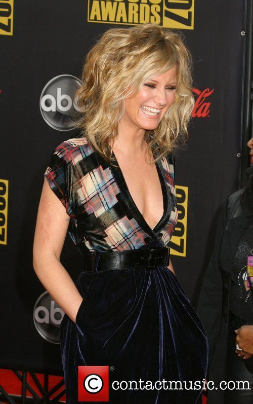 JENNIFER NETTLES, American Music Awards love the hair and outfit
