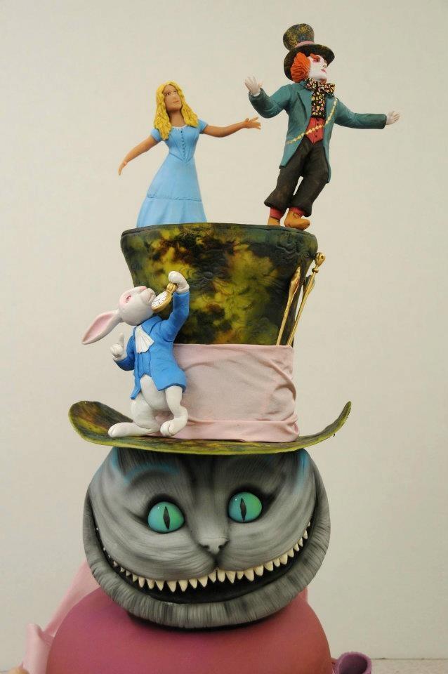 Alice In Wonderland Queen Of Hearts Cake Topper