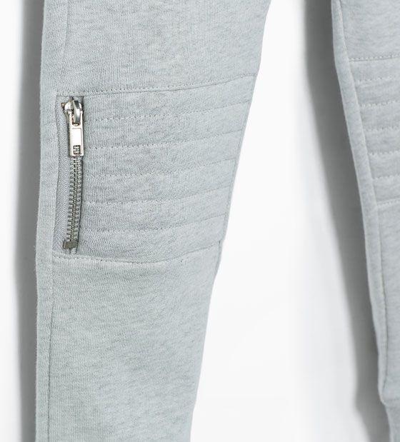 Zdjęcie 5 Spodnie z tkaniny dresowej z łatami na kolanach z Zara
