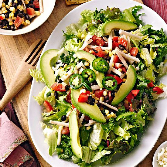 Garlicky cilantro-ranch dressing tops this fresh taco salad: Meatless Mondays, Black Beans, Healthy Salad Recipe, Cilantro Ranch Dresses, Food, Mexicans Dishes, Fresh Tacos, Tacos Salad, Taco Salads