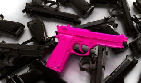 Man jaagt kogel in penis met roze pistool - AD.nl