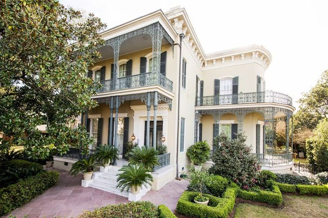 New Orleans Garden District: It took 10 years to renovate this 10,000 square foot Garden District mansion