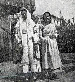 Η καθημερινή φορεσιά της Αργολιδοκορινθίας ( από το κάτω Μπέλεσι του Άργους) Αγγελική Χατζημιχάλη