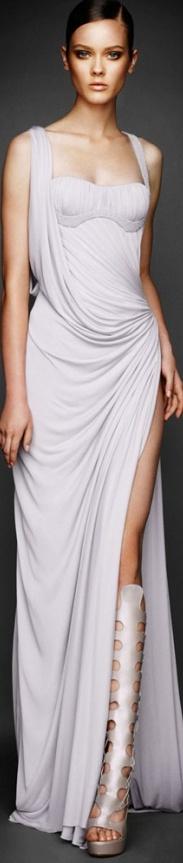 www.versace.com, Versace, Bridal Collection, bride, bridal, wedding, noiva, عروس, زفاف, novia, sposa, כלה, abiti da sposa, vestidos de novia, vestidos de noiva, boda, casemento, mariage, matrimonio, wedding dress, wedding gown.