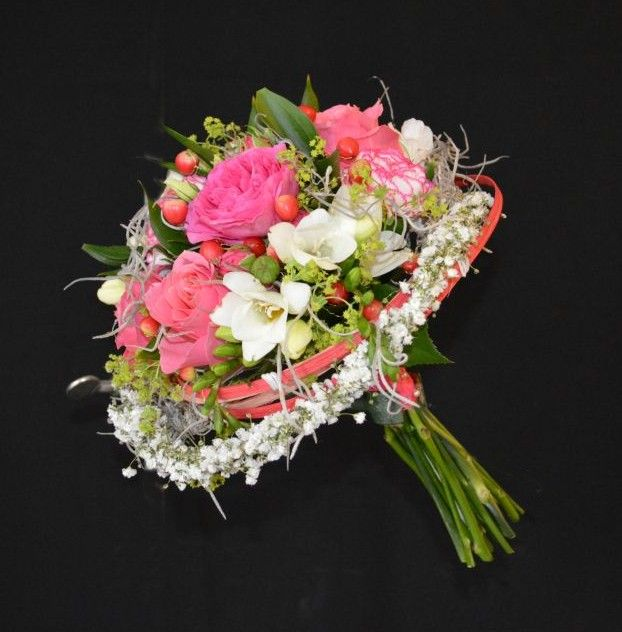 Wedding Flowers By Annette: A Contemporary Framed Bouquet.