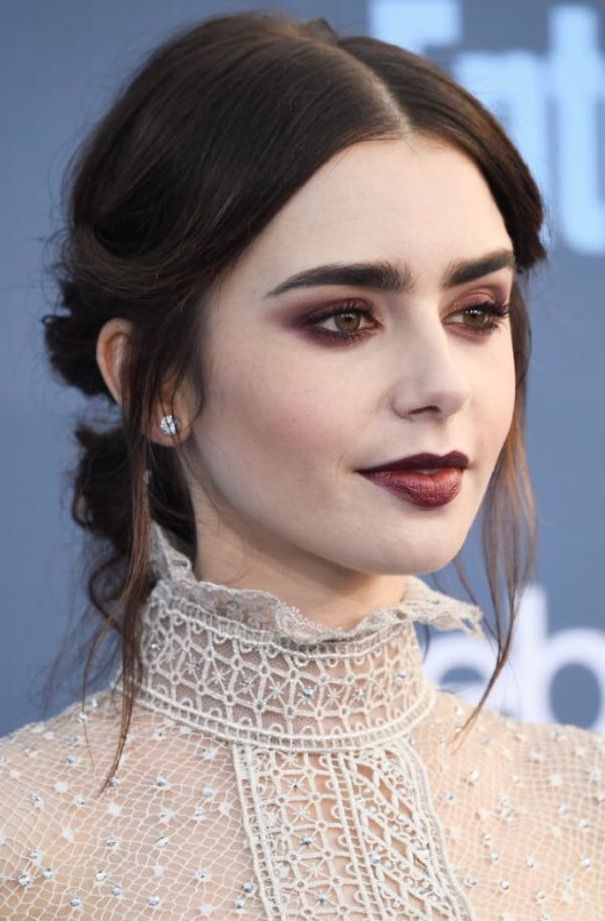 Critics choice awards 2016 Lilly Collins Make up