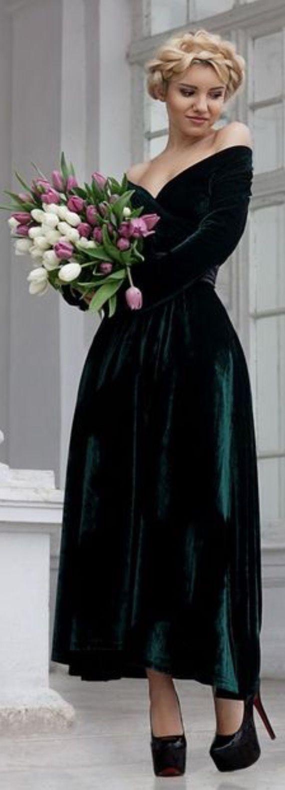 Best 25 green velvet dress ideas on pinterest velvet for Velvet and lace wedding dresses