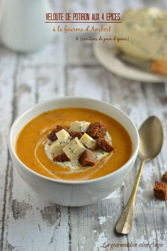 Velouté de potiron aux 4 épices, fourme d'Ambert et croûtons pain d'épices | pumpkin soup  http://www.la-gourmandise-selon-angie.com/archives/2015/01/06/31229472.html