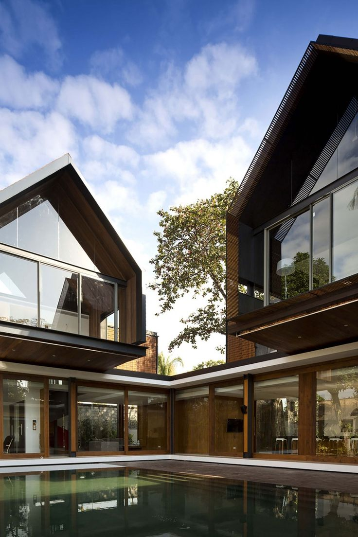 Svarga Residence by RT+Q Architects. Contemporary HousesModern ...